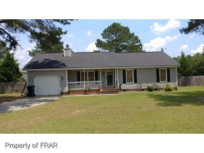 Raeford NC Single Family Home For Sale: $124,500