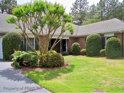 Southern Pines Single Family Home For Sale: 16 Middleton Place