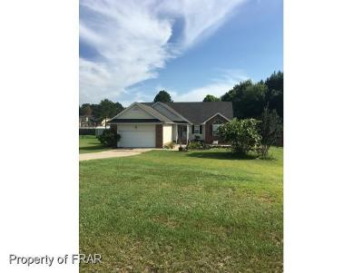 Raeford NC Single Family Home For Sale: $157,000