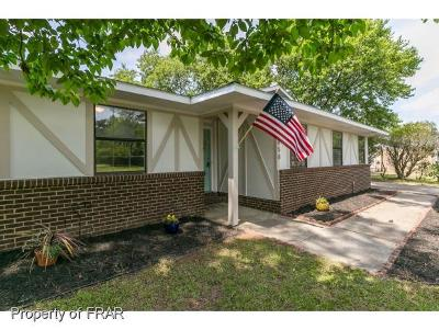 Fayetteville Single Family Home For Sale: 6858 Beaverstone Drive