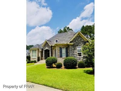 Fayetteville Single Family Home For Sale: 1124 Wild Pine Dr