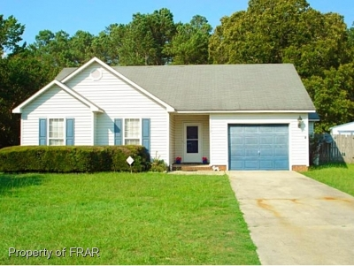 Fayetteville Single Family Home For Sale: 102 Walta Ct