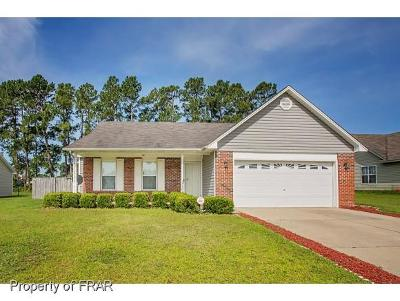 Raeford NC Single Family Home For Sale: $139,000