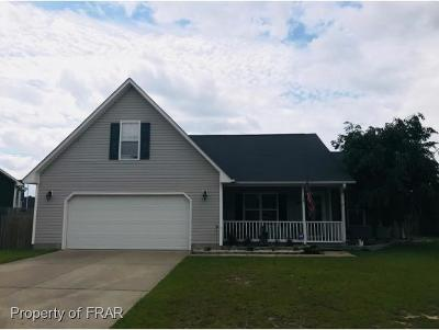 Hope Mills NC Single Family Home For Sale: $155,000