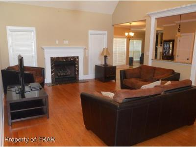 Fayetteville Single Family Home For Sale: 3208 Dove Hunter Circle #82