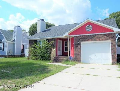 Hope Mills Single Family Home For Sale: 3832 Crusader Dr