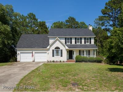 Fayetteville Single Family Home For Sale: 804 Retriever Court #128