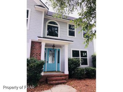 Fayetteville Single Family Home For Sale: 1149 Chesnut Wood