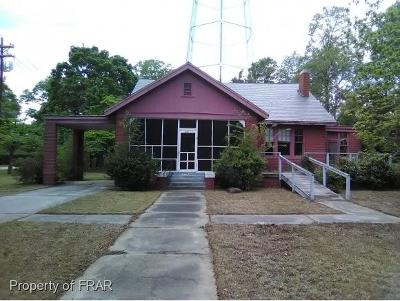 Single Family Home For Sale: 301 S. Caledonia
