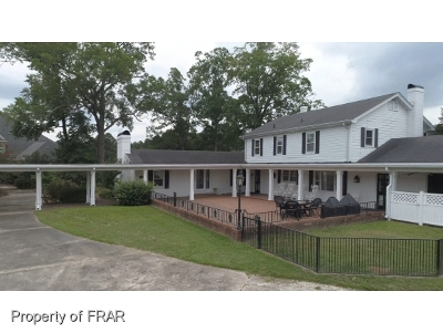 Fayetteville Single Family Home For Sale: 6483 Summerchase Drive