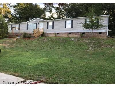 Hope Mills NC Single Family Home For Sale: $98,000