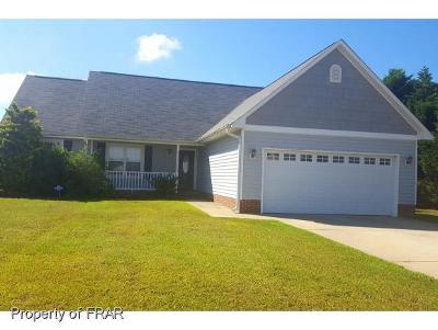 Hope Mills NC Single Family Home For Sale: $210,000