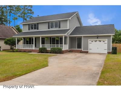 Fayetteville Single Family Home For Sale: 520 Georgetown Circle