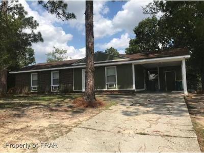 Hope Mills Single Family Home For Sale: 5987 Spinner Rd