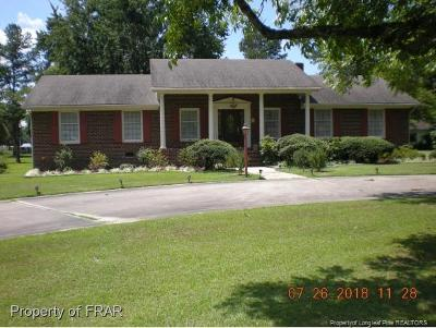 Raeford Single Family Home For Sale: 225 Harris Avenue