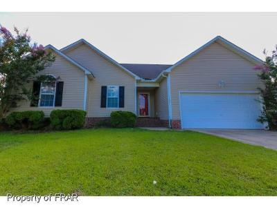 Raeford Single Family Home For Sale: 520 Cypress Dr.