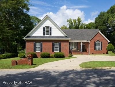 Fayetteville Single Family Home For Sale: 226 Myrover St