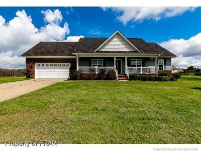 Raeford Single Family Home For Sale: 194 Declaration Dr