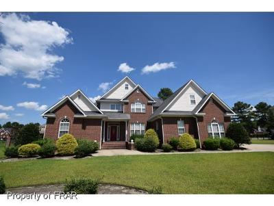 Fayetteville Single Family Home For Sale: 241 Stoneleigh Drive #158