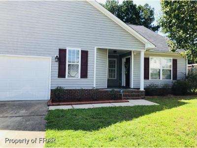 Hope Mills NC Single Family Home For Sale: $170,000