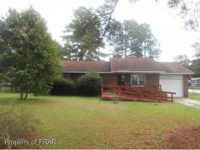 Raeford NC Single Family Home For Sale: $75,000
