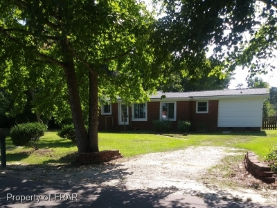 Fayetteville Single Family Home For Sale: 225 Bullard Circle #3