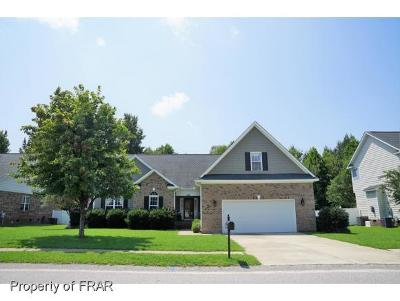 Raeford Single Family Home For Sale: 369 Thorncliff Dr