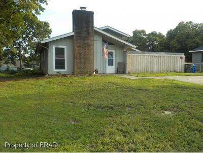 Fayetteville Single Family Home For Sale: 727 Emerald Dr