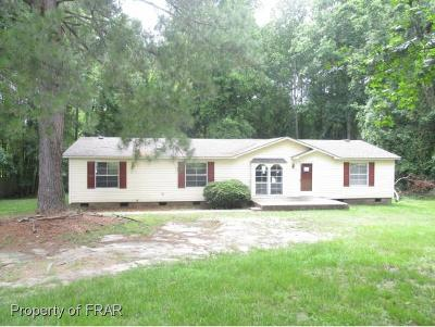 Sanford Single Family Home For Sale: 70 Nicole Dr