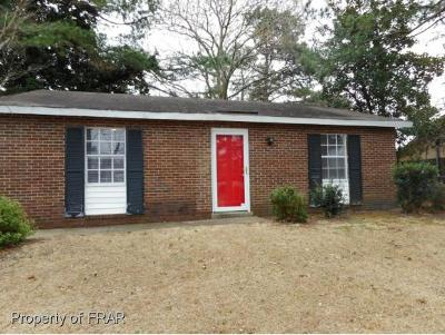 Fayetteville Single Family Home For Sale: 619 Kellam Circle