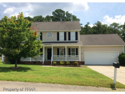 Hope Mills NC Single Family Home For Sale: $135,000