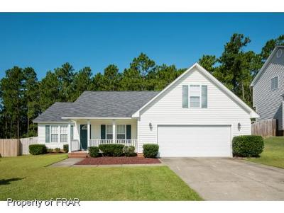 Hope Mills NC Single Family Home For Sale: $160,000