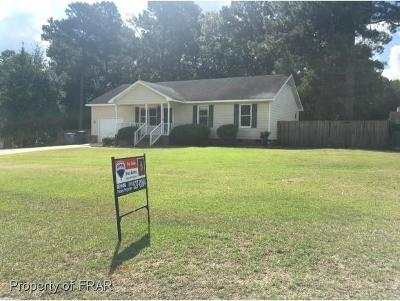 Raeford NC Single Family Home For Sale: $110,500