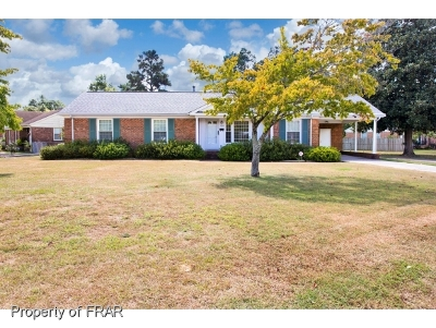 Fayetteville Single Family Home For Sale: 5109 Chesapeake Rd
