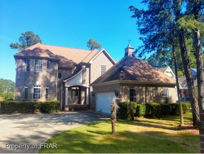 Moore County Single Family Home For Sale: 411 Riverbirch Drive