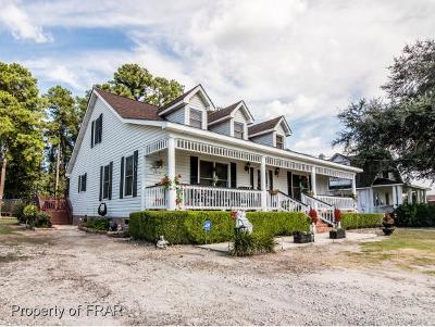 Robeson County Single Family Home For Sale: 231 Cavalier Dr