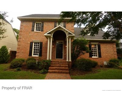 Fayetteville Single Family Home For Sale: 246 Courtyard Lane