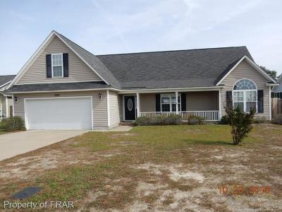 Hope Mills Single Family Home For Sale: 2527 Camp Lejeune Ct