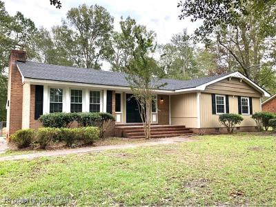 Robeson County Single Family Home For Sale: 3975 Regents St