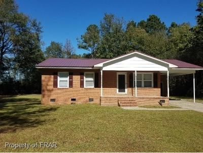 Robeson County Single Family Home For Sale: 562 Rudolph Rd