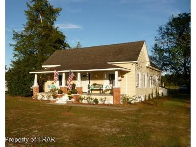Robeson County Single Family Home For Sale: 5123 Tobacco Rd