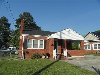 Robeson County Single Family Home For Sale: 301 Carthage Rd