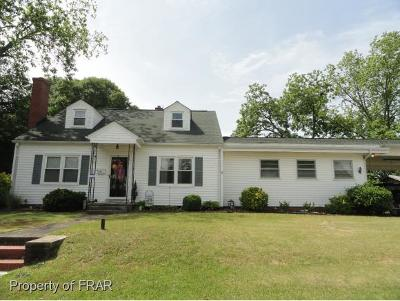 Robeson County Single Family Home For Sale: 828 7th St