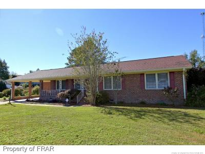 Robeson County Single Family Home For Sale: 725 N Main St