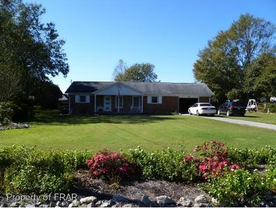 Raeford NC Single Family Home For Sale: $110,000