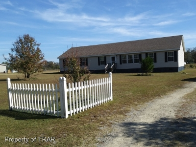 Raeford NC Single Family Home For Sale: $155,900