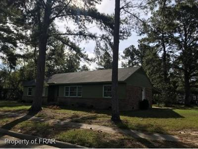 Robeson County Single Family Home For Sale: 303 Holly Street
