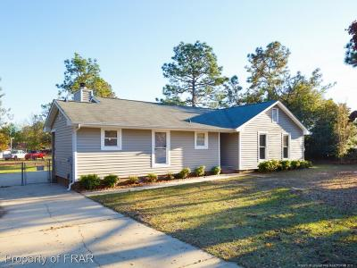 Hope Mills Single Family Home For Sale: 3615 Golfview Road