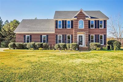 Hope Mills Single Family Home For Sale: 468 Derby Ln