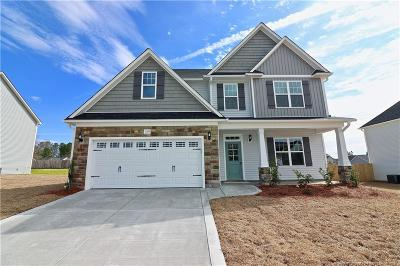 Moore County Single Family Home For Sale: 1124 Yellowwood Drive